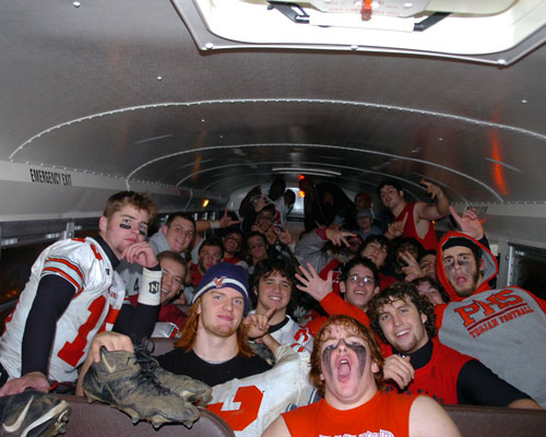 The 2007 Parkland Trojans Team on a bus